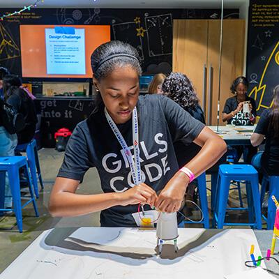 How Online Education Is Increasing Gender Diversity in STEM